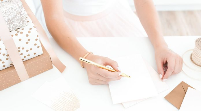 Do you know how to write a love letter? Have you ever done it? I don't mean sending a text or writing an email... I mean an actual love letter? It's a lot easier than you might think and so incredibly meaningful. Here's how you can write a love letter the old fashioned way and surprise the one you love.
