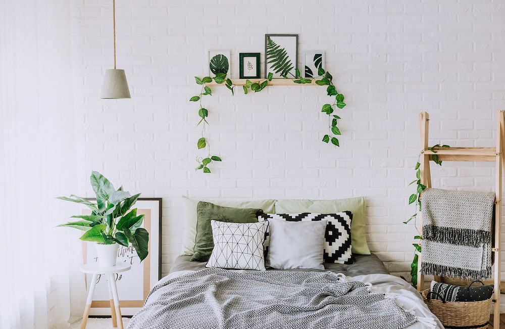 Do you think minimalism is all about decluttering and white furniture? I did, until I started moving towards living a more minimalist life. Now I'm sharing some things that will surprise you about living as a minimalist because they definitely surprised me.