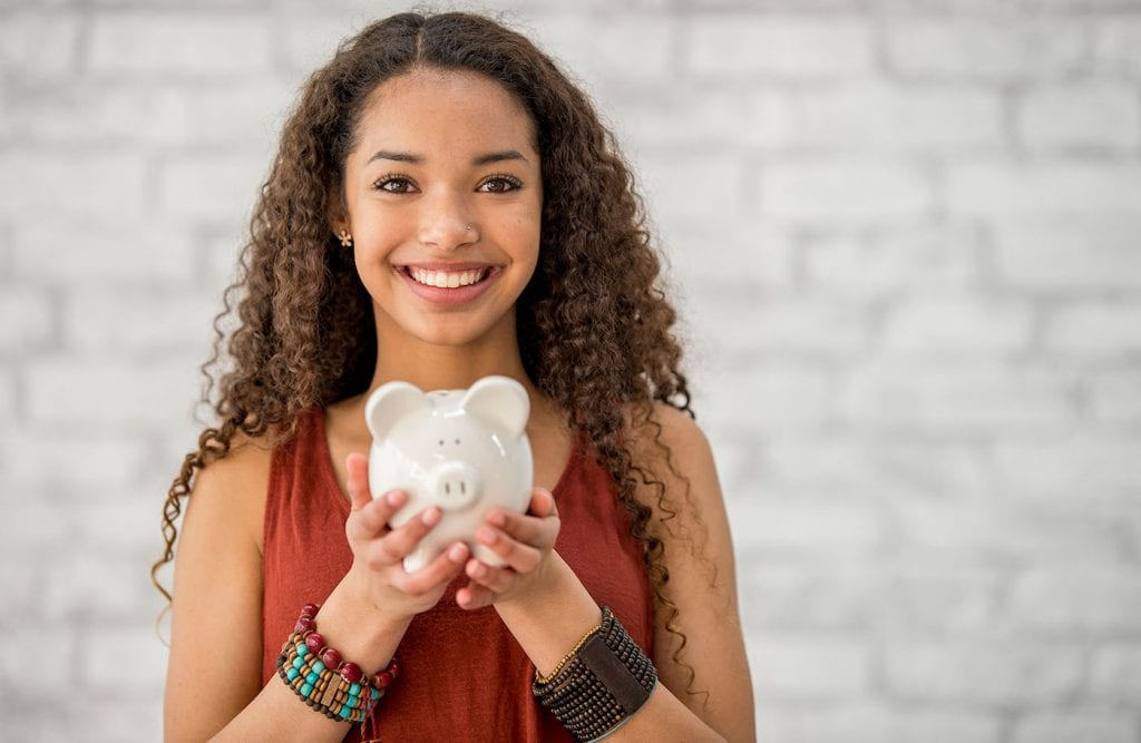Have you decided to get serious about achieving your financial goals but you're not sure where to start? Check out these ways to save money that you can start today and help you move towards ticking your financial goals off and celebrating your wins!