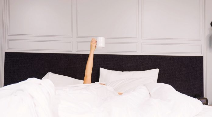 Need a better sleep but not sure how to get it? Include these night time habits for a great sleep and wake up refreshed in the morning!