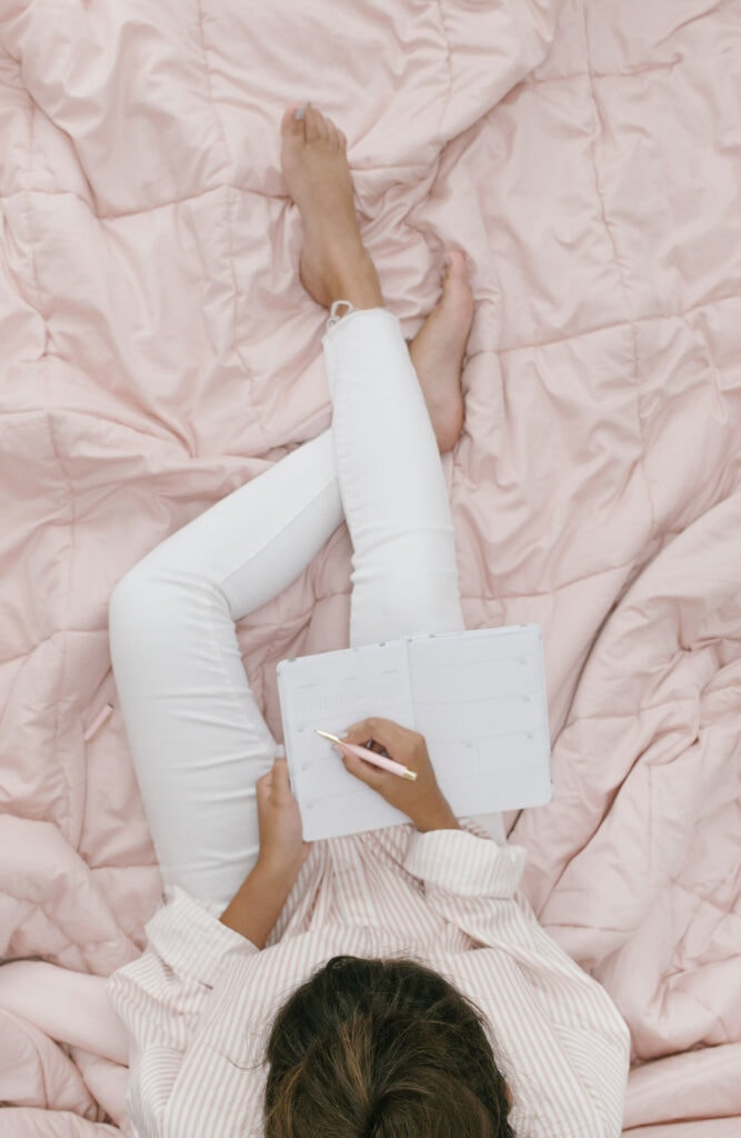 Those who journal daily will tell you of how much better it makes them feel. So is journaling really that great? Here are 9 benefits of journaling every day!
